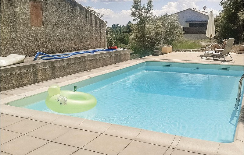 Amazing home in St Julien LeMontagnier with 2 Bedrooms and WiFi (FCV766), holiday rental in Ginasservis