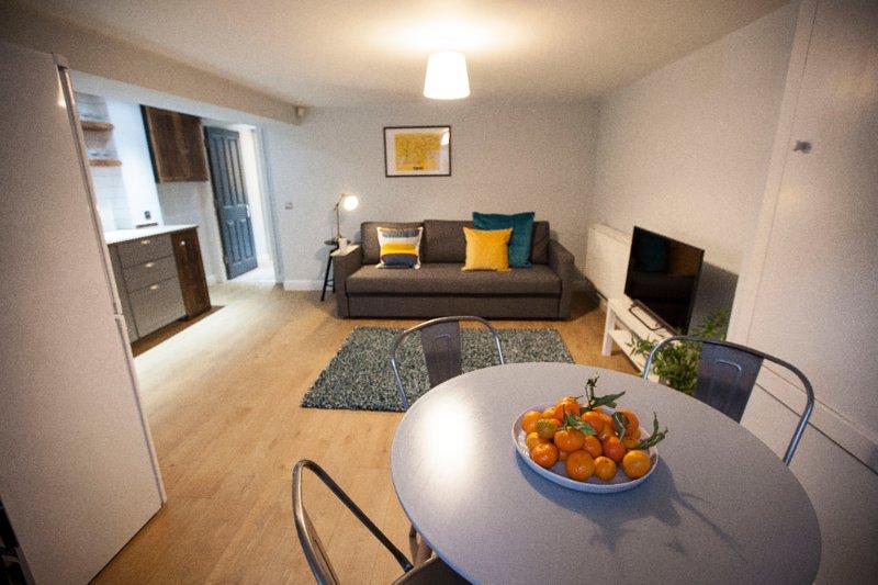 Beautiful apartment in fashionable West Didsbury, location de vacances à Wythenshawe