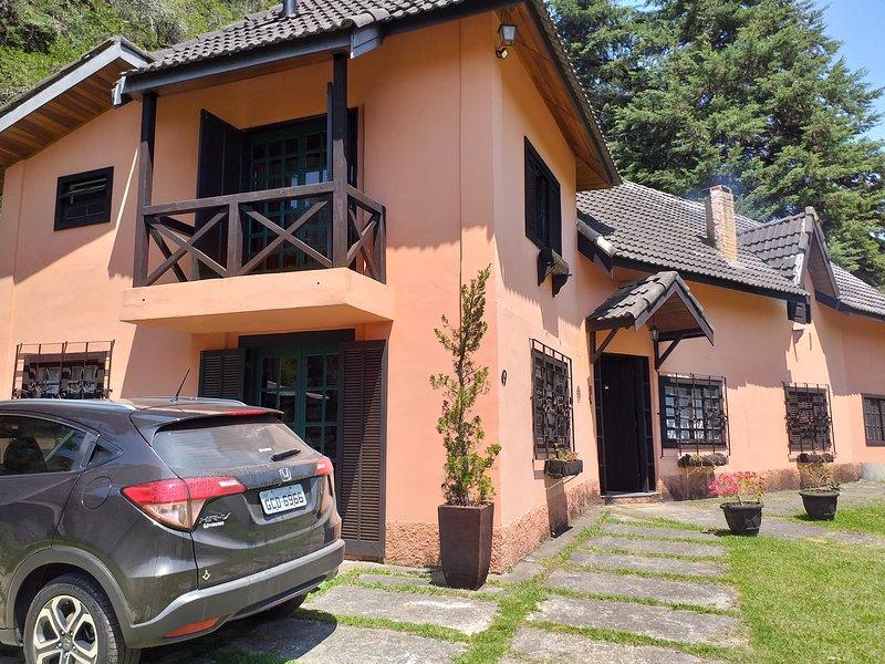 Casa joao de Barro Campos do Jordao, aluguéis de temporada em Ribeirão Grande