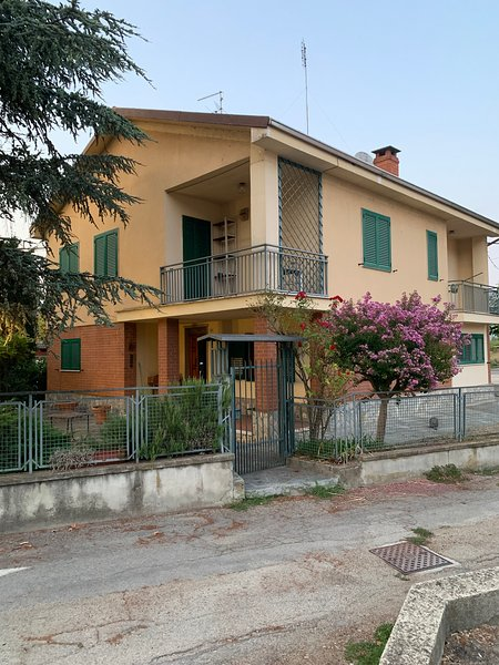 Big house with terrace & balcony, holiday rental in Costigliole d'Asti