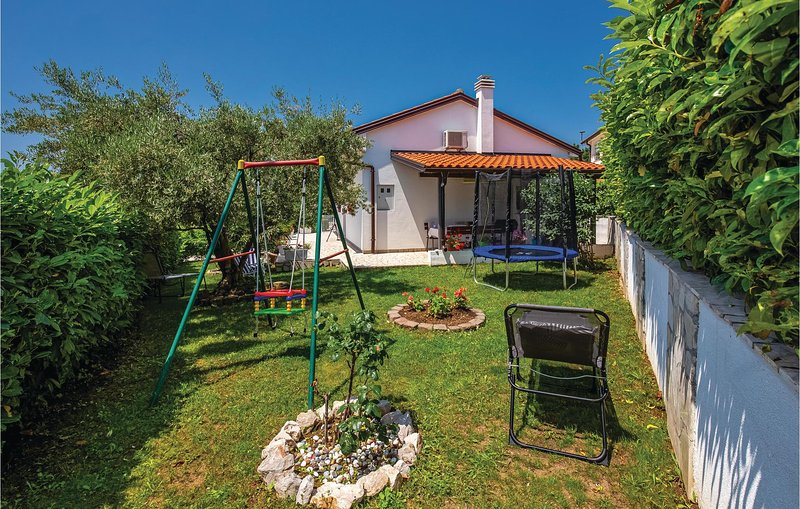 Beautiful home in Kostrena with WiFi and 2 Bedrooms (CKA156), holiday rental in Kostrena