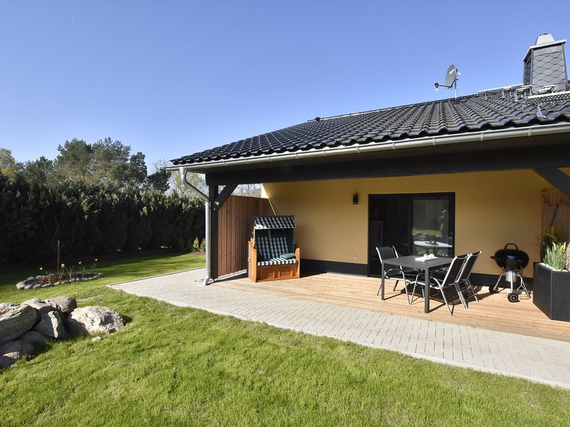 Cozy Apartment in Barnekow with private terrace, holiday rental in Dorf Mecklenburg