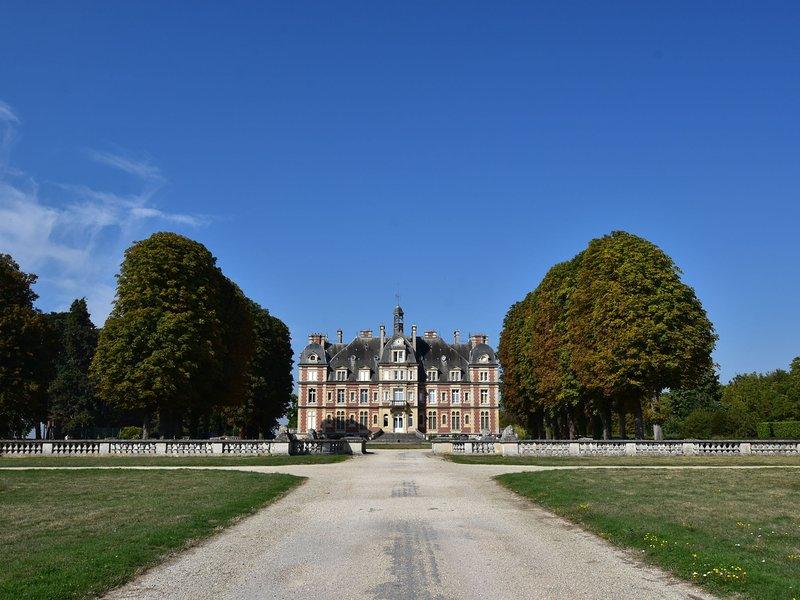 Luxurious Holiday Home in Ocquerre, location de vacances à Montreuil-aux-Lions