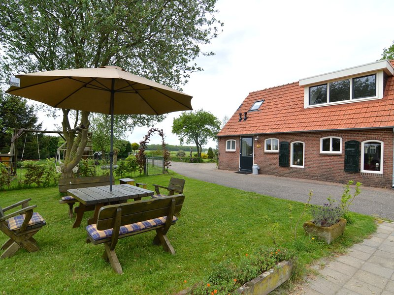 Modern Holiday Home in Holten with Forest Nearby, vacation rental in Markelo