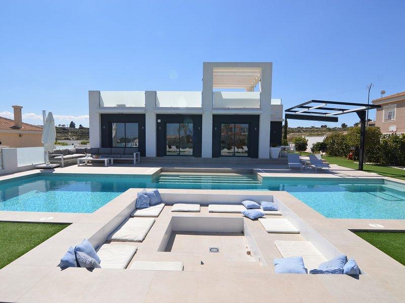 Cozy Villa in Torremendo with Private pool, location de vacances à Lo Rufete