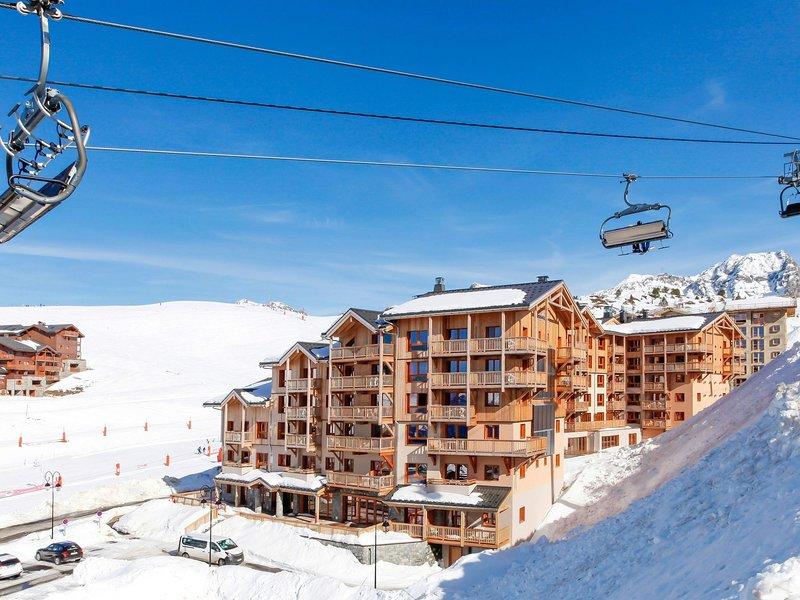 Modern apartment on the slopes in the extensive Paradiski, alquiler de vacaciones en Plagne Bellecote