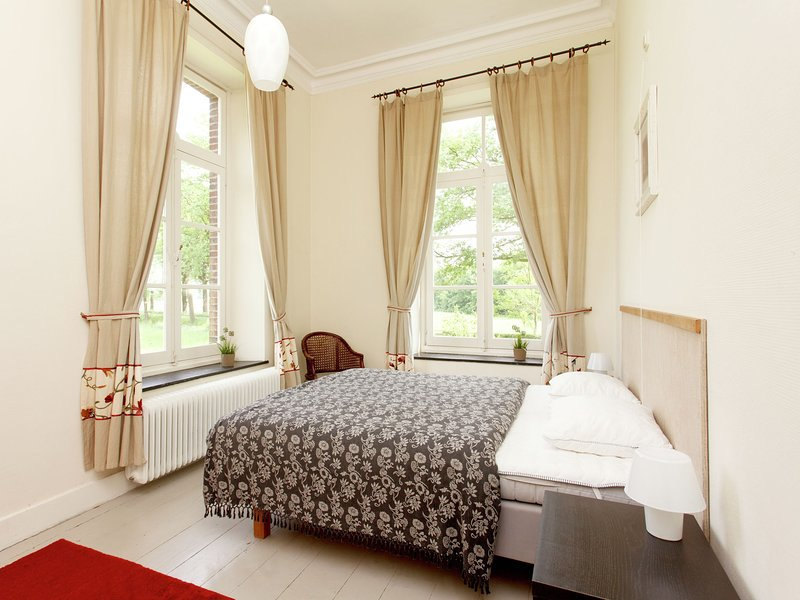 Luxurious, charming accommodation with  sauna and recreation room, holiday rental in Broekhuizen