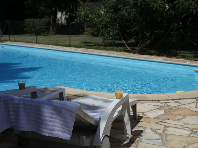 Cozy Holiday Home in Quend-Plage-les-Pins with Swimming Pool, holiday rental in Quend