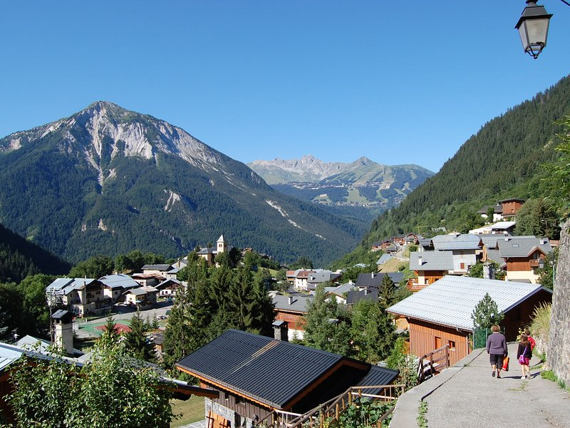 4-6 pers. holiday appartment near center of Champagny Chalet in Champagny