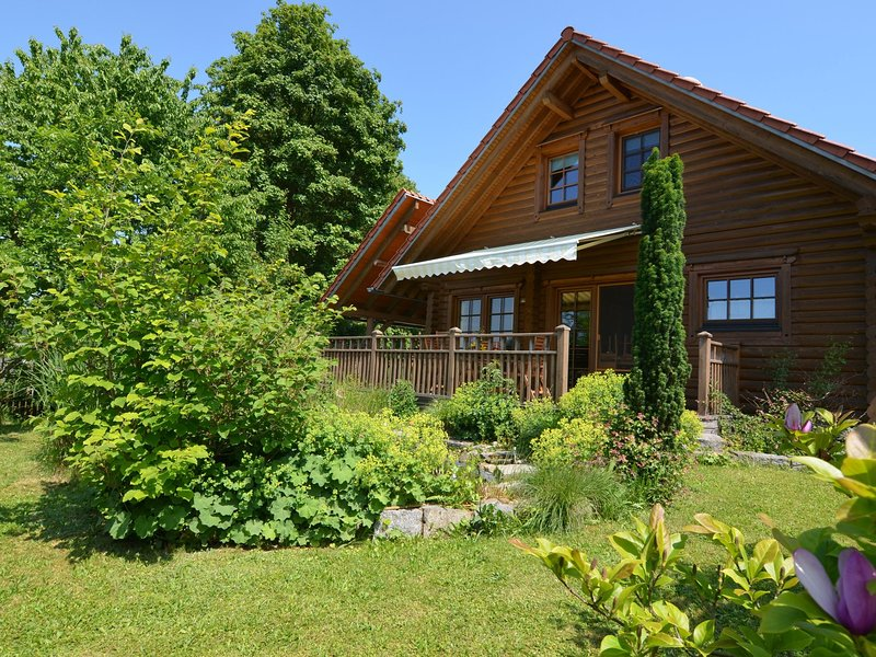 Lavish Holiday Home in Fuchsberg with Sauna, location de vacances à Bodenwohr