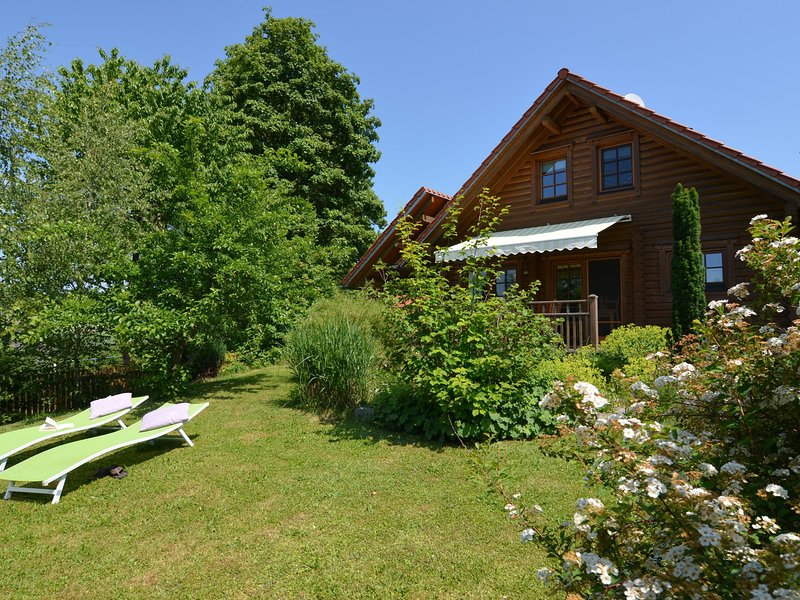 NEW: Exclusive detached 5 star holiday home for 2-4 persons with sauna, location de vacances à Bodenwohr