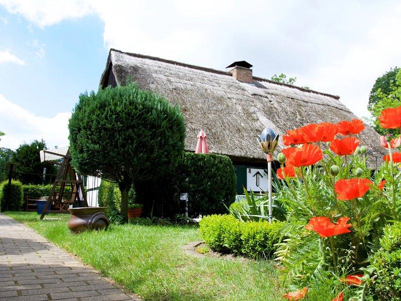Cozy Holiday Home in Gegensee near Szczecin Lagoon, casa vacanza a Bruessow