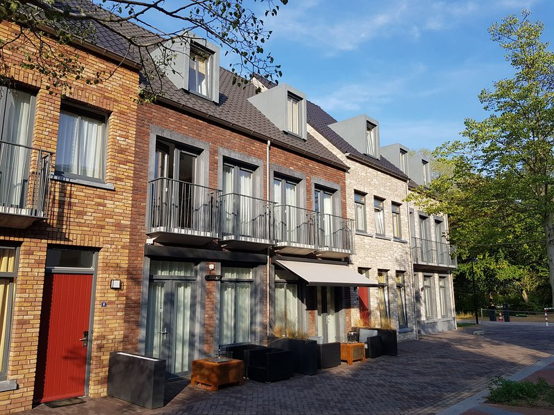 Comfortable, modern apartment, just 4 km. from Maastricht, location de vacances à Rekem