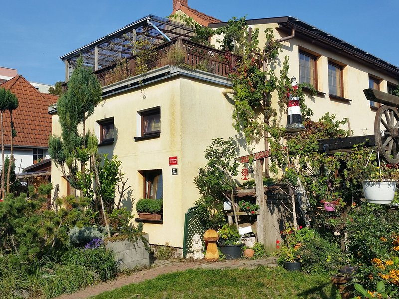 Antique Apartment in Wismar Mecklenburg with Garden, holiday rental in Dorf Mecklenburg