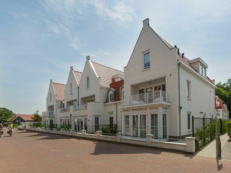 Spacious apartment in Koudekerke with terrace, holiday rental in Biggekerke