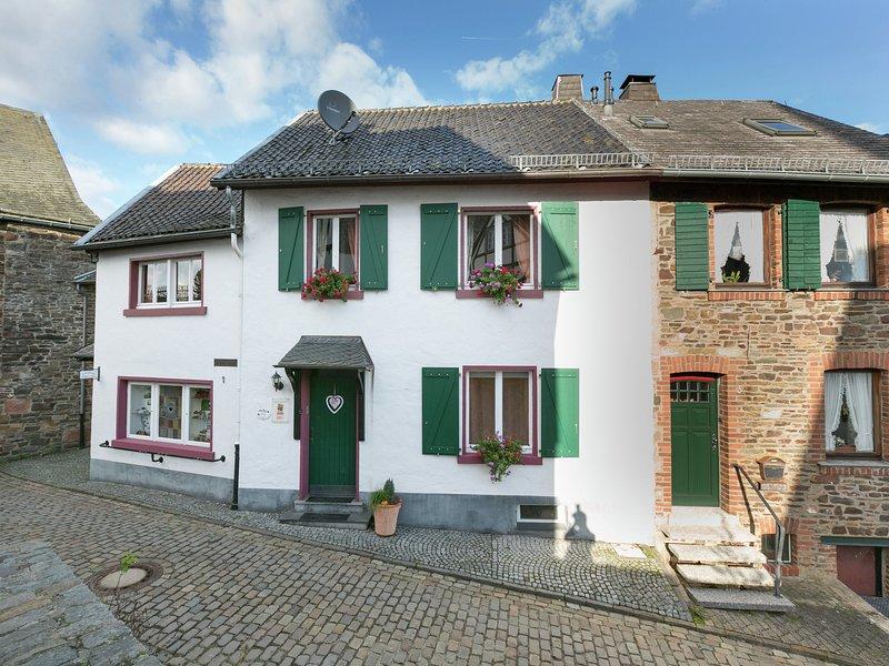 Modern Apartment in Reifferscheid with Garden, holiday rental in Hellenthal