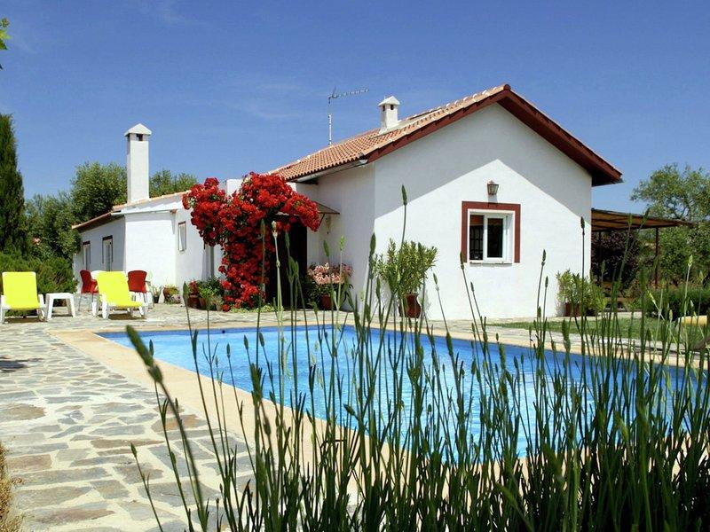 Rural Cottage in Ronda with Swimming Pool, alquiler de vacaciones en Setenil de las Bodegas