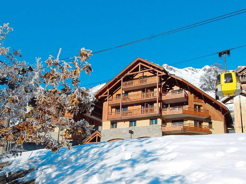Nice apartment with a dishwasher in the center of Vaujany, alquiler vacacional en Vaujany