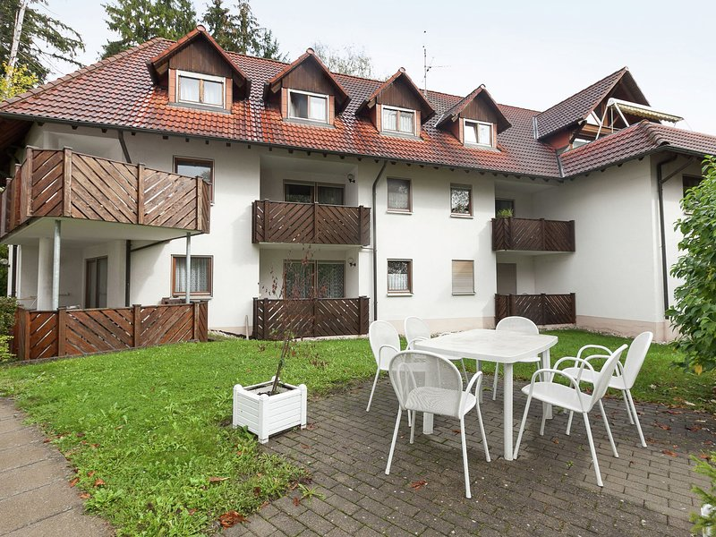 Beautiful apartment in Bad Dürrheim, near the wellness centre and spa gardens – semesterbostad i Deisslingen