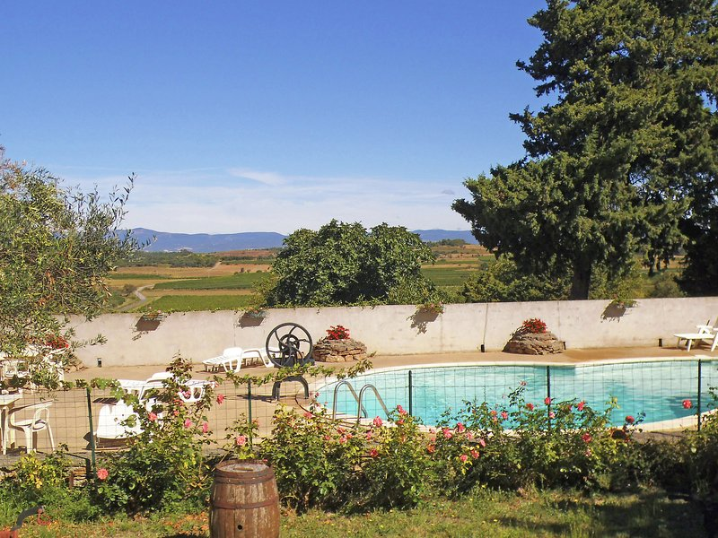 Holiday Home in Montbrun-des-Corbières with Pool, vacation rental in Puicheric