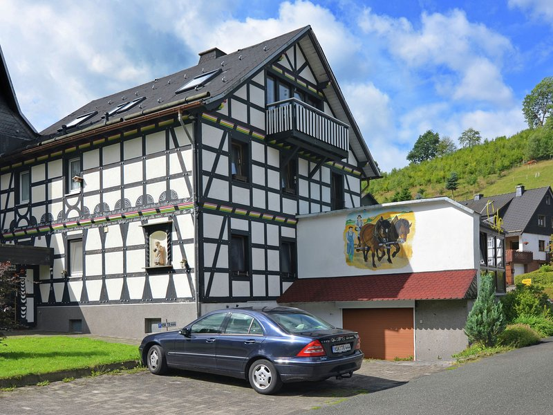 Apartment Amidst the Mountains in Elpe, holiday rental in Assinghausen