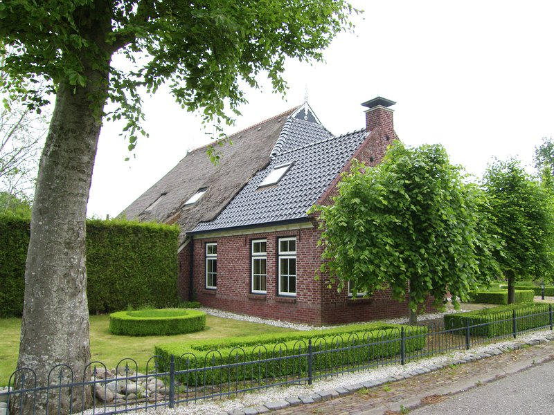 Gorgeous Farmhouse with Sauna in Noardburgum, Ferienwohnung in Twijzel