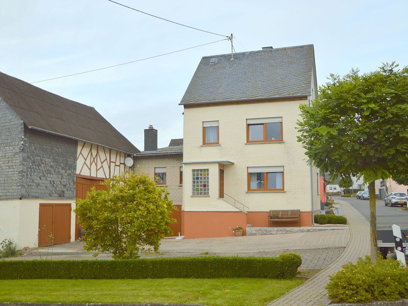 Modern Holiday Home in Haserich with Private Terrace, location de vacances à Moerz