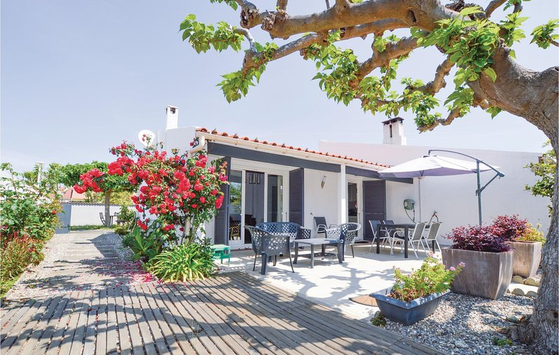 Beautiful home in Lucciana with WiFi and 3 Bedrooms (FKO058), alquiler vacacional en Borgo