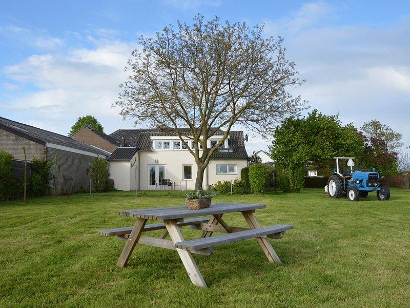 Modern Holiday Home near Klimmen With Hill View, vakantiewoning in Valkenburg