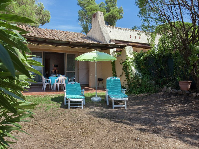 Studio in a residence with view over the beaches, location de vacances à Cargese