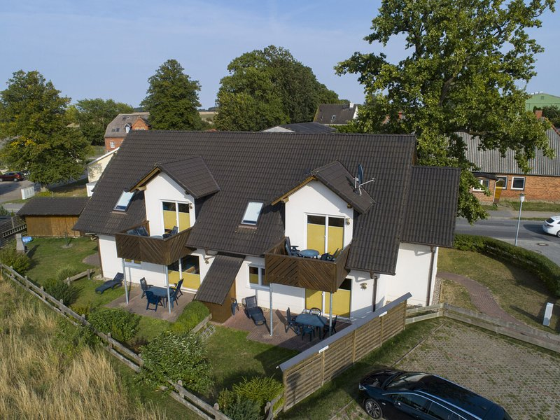 Boutique Apartment in Beckerwitz with Terrace, holiday rental in Hohenkirchen