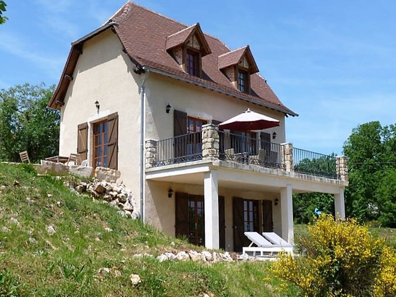 Luxorious Villa in Cajarc with Garden, location de vacances à Marcilhac-sur-Cele