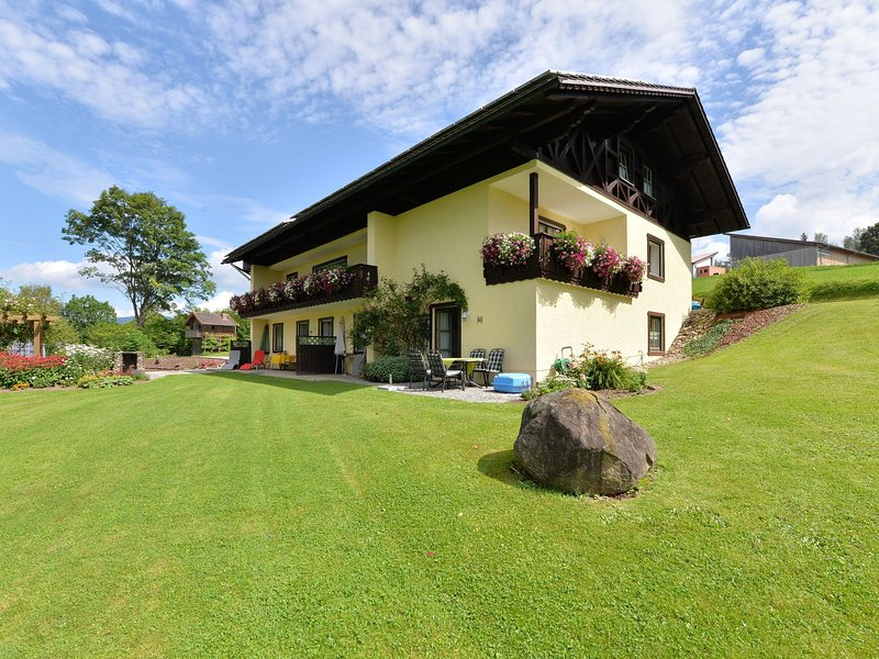 Cosy apartment in Drachselsried Bavaria with terrace, holiday rental in Teisnach
