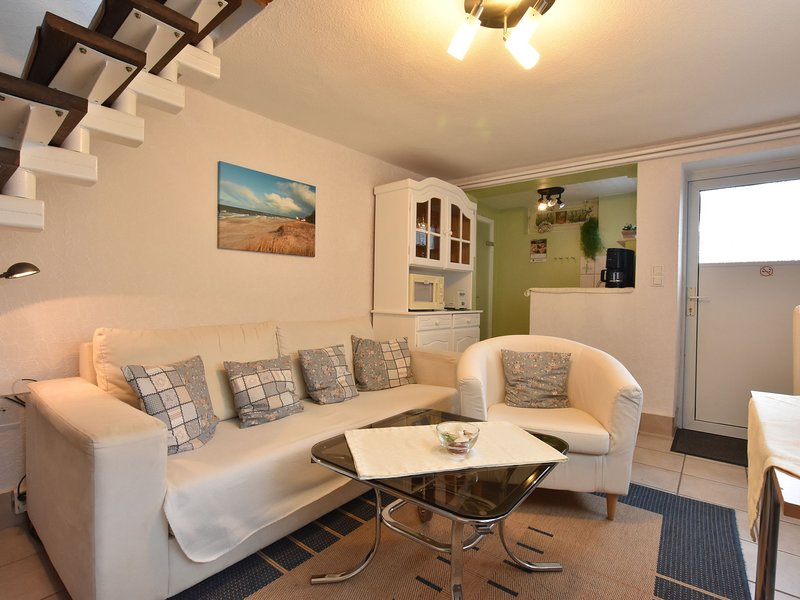 Lovely Apartment in Kühlungsborn near Sea, holiday rental in Klein Bollhagen
