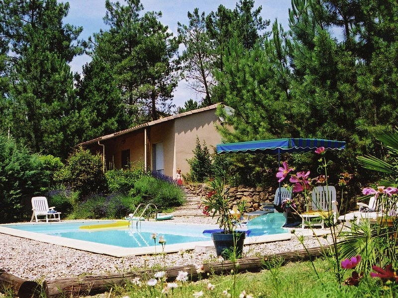 Serene Holiday Home in Les Salelles with Swimming Pool, vacation rental in Les Salelles