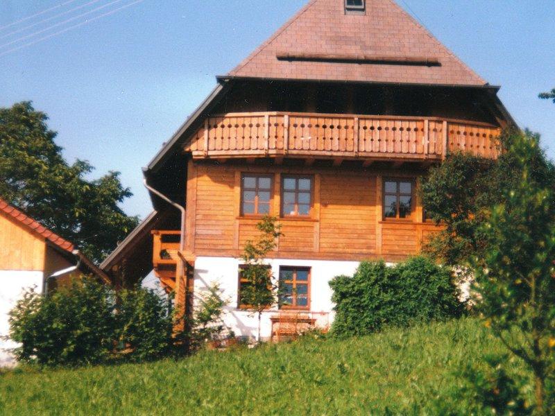 Spacious Apartment near Forest in Oberprechtal, location de vacances à Schweighausen