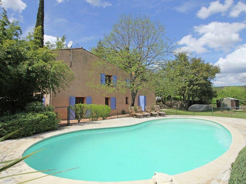 Provincial Holiday Home with Private Pool in Salernes France, location de vacances à Sillans-la-Cascade