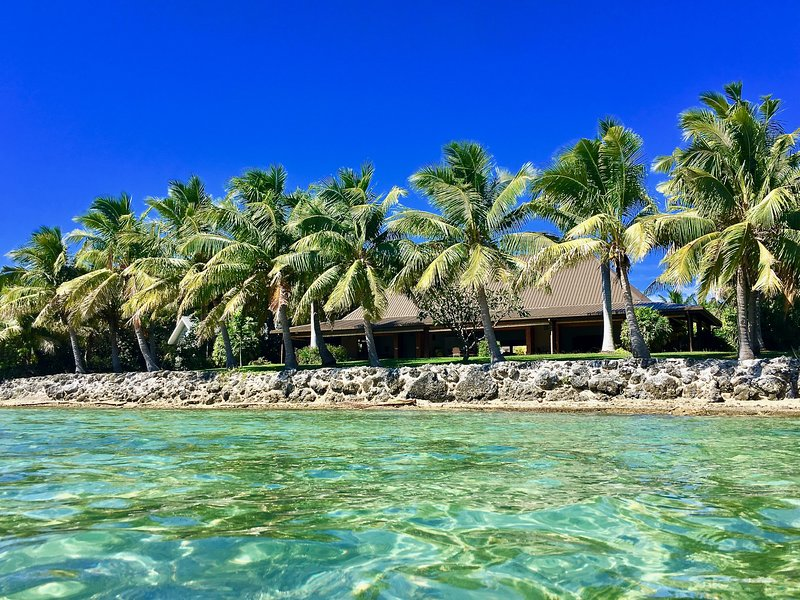 Nai Kawakawa Villa 5 Star Beach Front  Luxury Home, holiday rental in Fiji