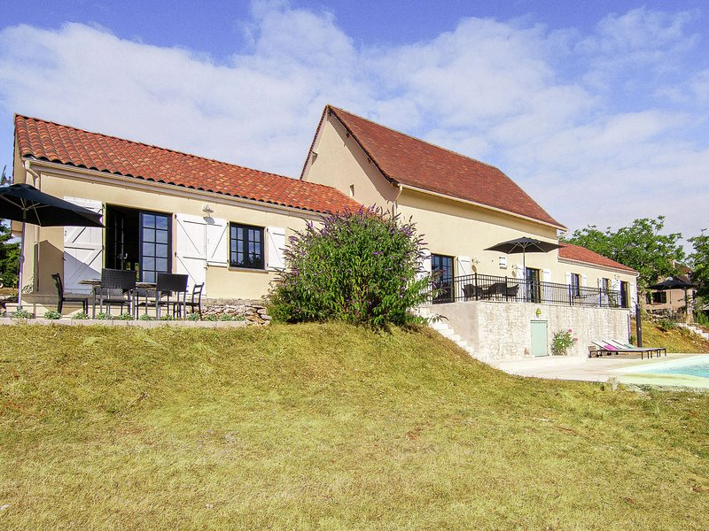 Chic Holiday Home in Rocamadour France With Private Terrace, holiday rental in Rignac
