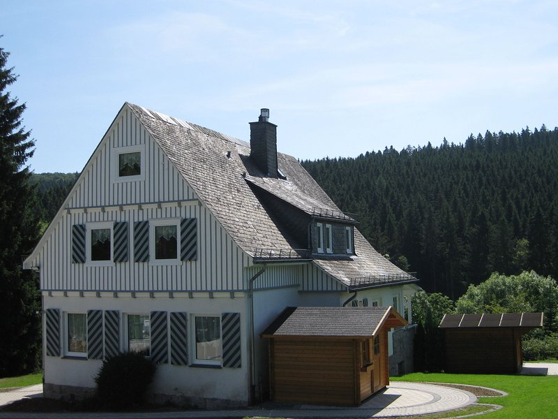 Cozy Holiday Home In Brilon near Ski Slopes, holiday rental in Helminghausen