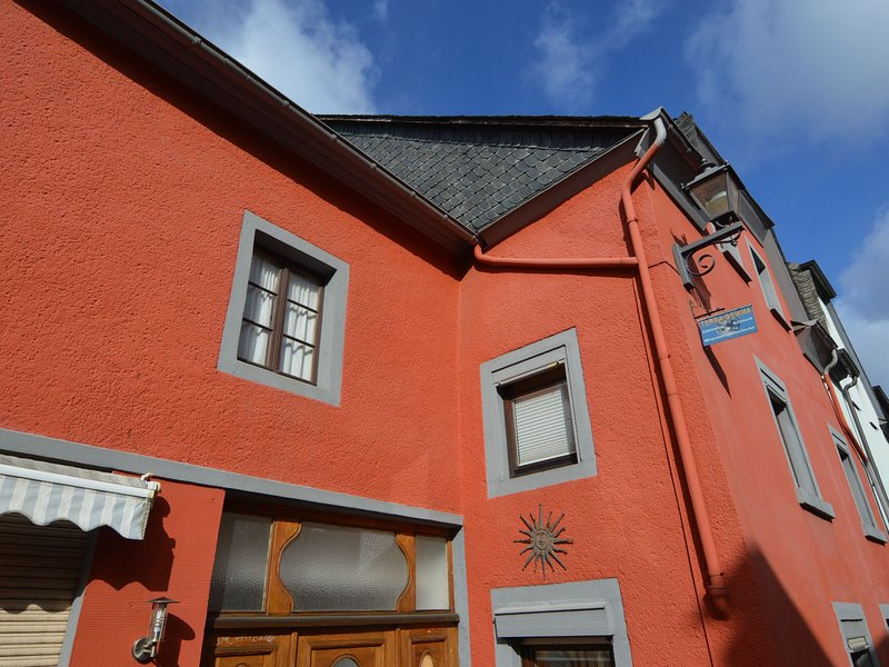 Charming Holiday Home in Neumagen-Dhron near Moezel, location de vacances à Trittenheim