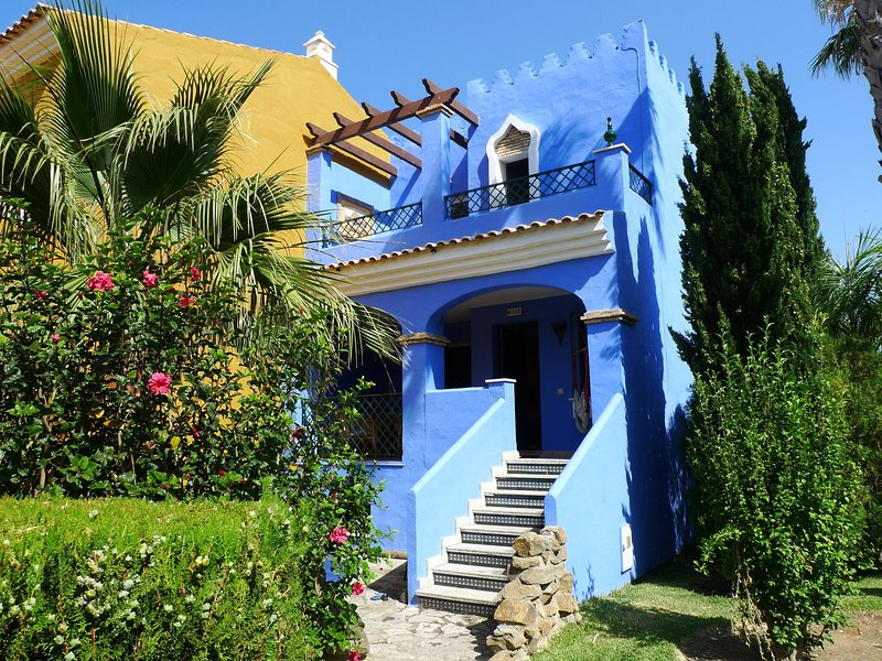 Modern Villa in Zahara de los Atunes with Swimming Pool, holiday rental in Bolonia