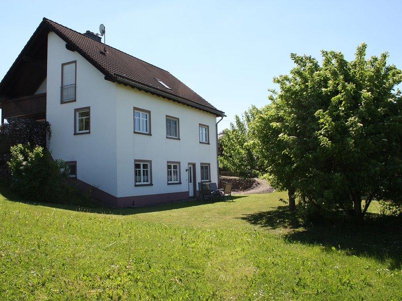 Cozy Apartment in Rommersheim near Forest, holiday rental in Prüm