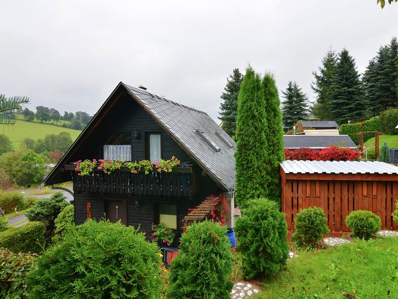 Attractive Holiday Home in Cranzahl near the Forest, alquiler vacacional en Joehstadt