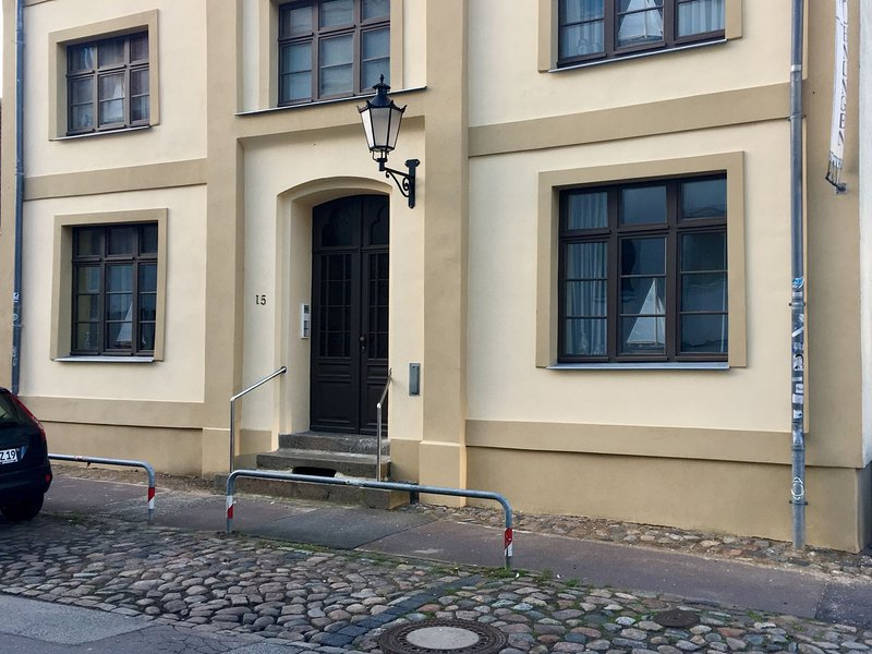 Welcoming Apartment with Terrace in Wismar, holiday rental in Dorf Mecklenburg