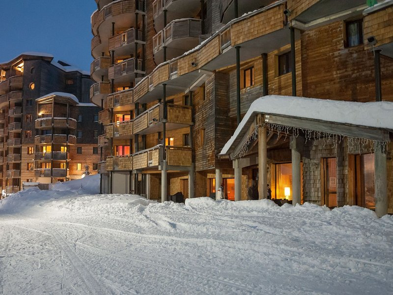 Residence with sauna and bath house right on the slopes of Les Portes du Soleil Chalet in Avoriaz