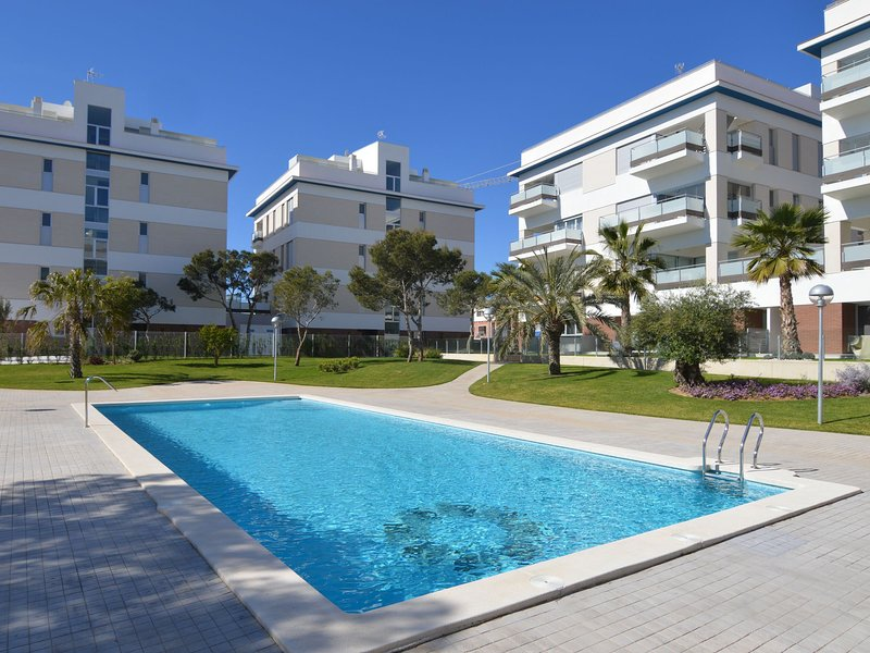 Modern Apartment with Swimming Pool near Sea in Orihuela, holiday rental in Los Dolses