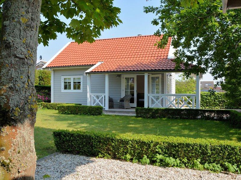 Stunning Holiday Home in Noordwijk near Beach, holiday rental in Katwijk