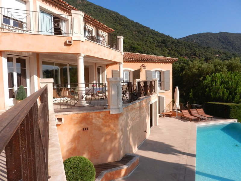 Modern Villa with Private Heated Pool in Provence, holiday rental in Cavalaire-Sur-Mer