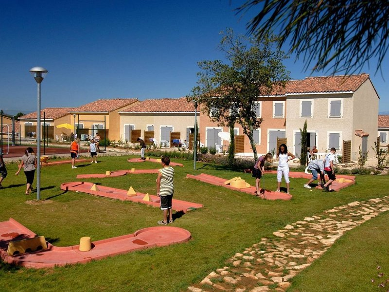 Well-kept holiday home between Nimes and Montpellier, location de vacances à Aigues-Vives
